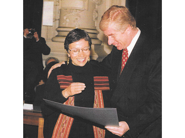 Carmen Rodriguez receiving the City of Santiago Literary Award (Honorary Mention). July, 1998.