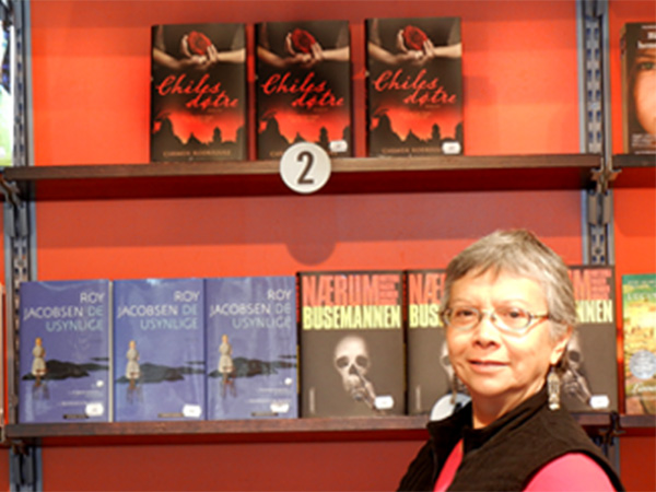 Carmen Rodriguez with Chiles Døtre at an Oslo Bookstore. November, 2013.