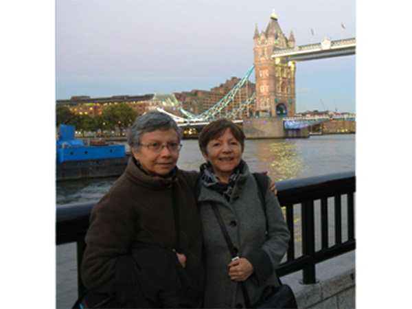 Carmen Rodriguez with Gloria Miqueles in London. Gloria was one of the organizers of Carmen's presentation in that city.October, 2013.